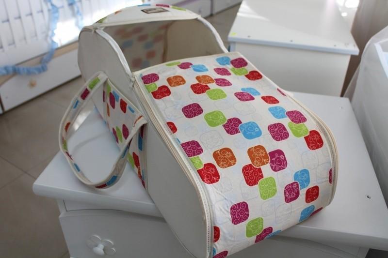 Портбебе Миси; цвят: крем/цветни шарки
